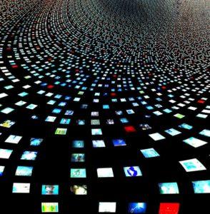 Come eseguire lo streaming su più piattaforme contemporaneamente – Facebook e altro